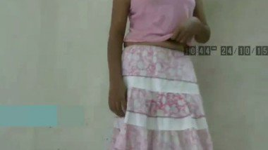College Girl Singing Galiyan While Strip Down Mms