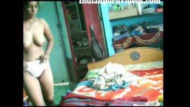 Indian village bhabhi removed her dress front of devar