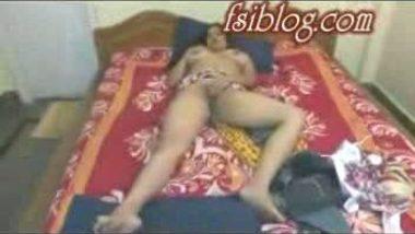 Desi bhabi mast nude show before cam