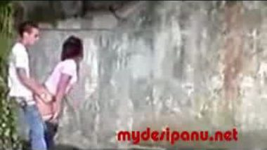 Desi girl outdoor sex with her lover mms