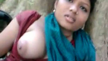 Bangladeshi sexy muslim girl first time outdoor sex with lover