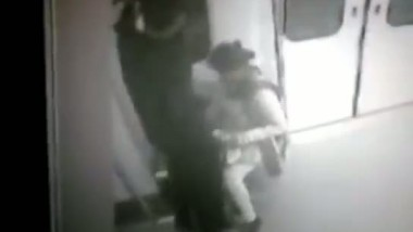 Indian Delhi metro train sex scandal video exposed and leaked to internet