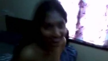 Mallu hot girl's nude bathroom clip