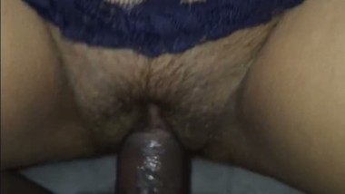 Trimmed fat pussy of housewife fucked