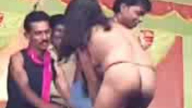 Fsiblog – First time full nude in Andhra stage show MMS