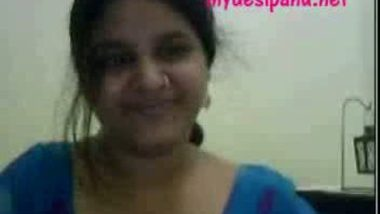 Extremely hot gujrati girl nadia on cam3