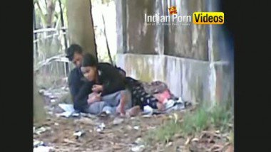 Outdoor blowjob mms of desi girls with lover