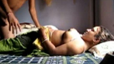 Indian village aunty first time fucked by her secret lover