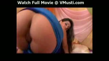 Incredibly Hot Indian Babe Strips And Plays With Her Wet Pussy And Rou