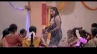 Tamil Actress Nice Boobs Show