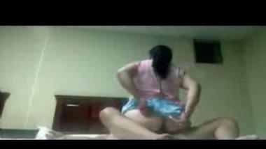 Indian bhabhi in pink top fucks her husband