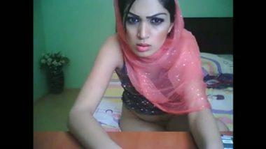 Shaiza cam porn she is muslim babe