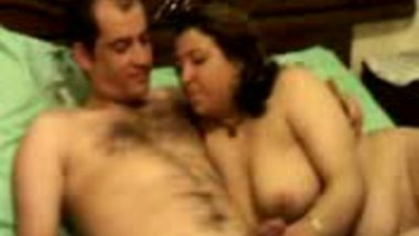 Lucknow mature aunty with her lover when she alone in home