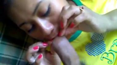 Sexy Bengaluru college girlfriend erotic blowjob