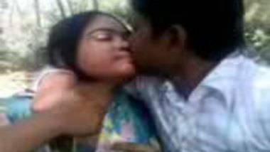 Bihar college couple enjoy multiple outdoor foreplay sessions