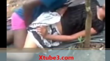 Indian College Girl getting fuck in Public Park