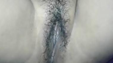 desi boudi fingering hairy pussy