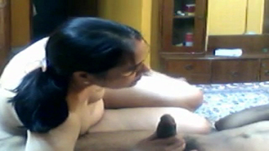 Home made sex tape of Punjabi bhabhi with uncle