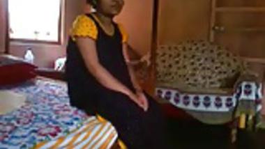 Indian Bangla desi girl Rima take a risk to showing bf.flv
