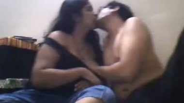 Punjabi sister Sushma's webcam boob press show