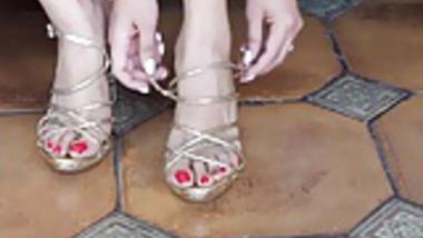 Sexy indian feet..