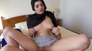 Amateur student cum 21 year old refugee in my hotel room for