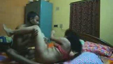 Latest Indian hidden cam porn clip of busty Pune bhabhi