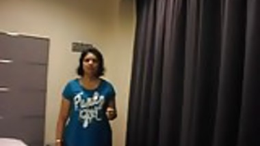 Indian desi aunty with boss in hotel.mp4