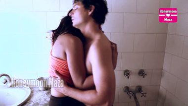 Bengali shower sex mms hot girl with lover