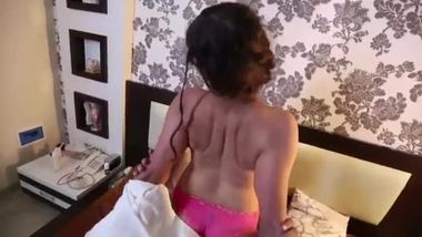 Aunty sex video showing a hot bedroom scene