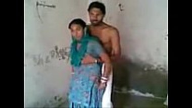 Hot village bhabhi romancing with her neighbor