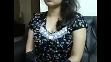 Odisha bhabhi fucking herself on a webcam