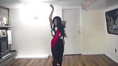 Vaishnavi Dancing