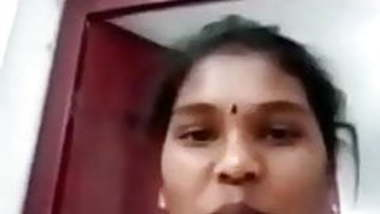 Tamil housewife video call chatting