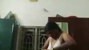 Hidden video recording housewife dress changing