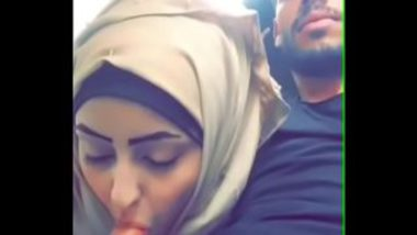 Desi Muslim Girl Sucking Cock In Car